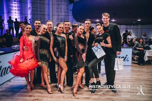FInalisté MČR Družstev ve standardních a latinskoamerických tancích