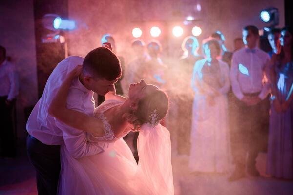 Svatební tanec dárkový poukaz první tanec novomanželé svatebčané
