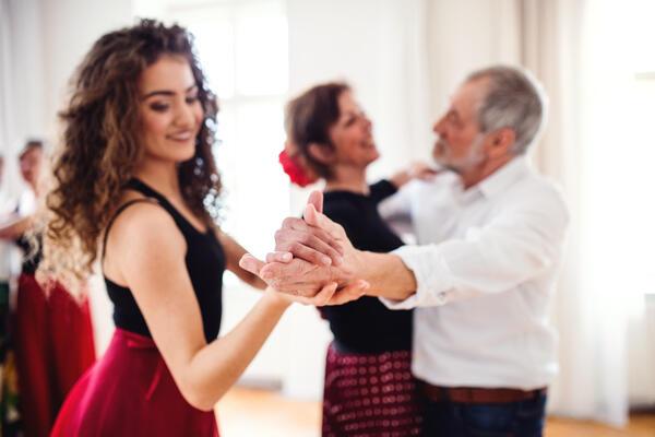 Soukromá výuka tance s tanečním učitelem dárkový poukaz