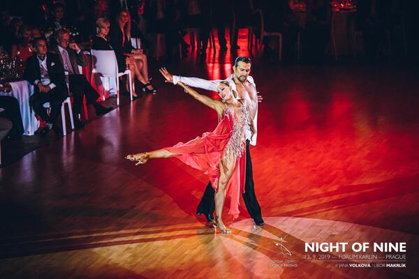 Taneční show, vystoupení a předtančení | Taneční škola COOL DANCE